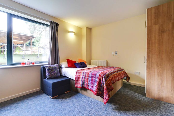 Premium-Bedroom-3