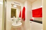Deluxe-Plus-Bathroom