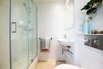 Bathroom-the-same-in-all-studios