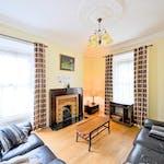 447 NCR - Living room