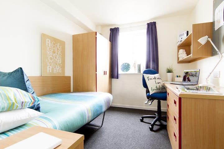 TSHC-Park Court-Lincoln-Bedroom