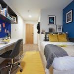 FSL-Chester-Tudor-Place-Gallery-Image-1600-x-1200-En-suite-2-1024x768