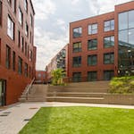 17-student-accommodation-steel-city-courtyard