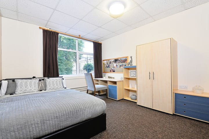 14-student-accommodation-apollo-house-standard-plus