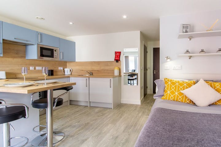 12-student-accommodation-dover-street-apartments-classic-studio