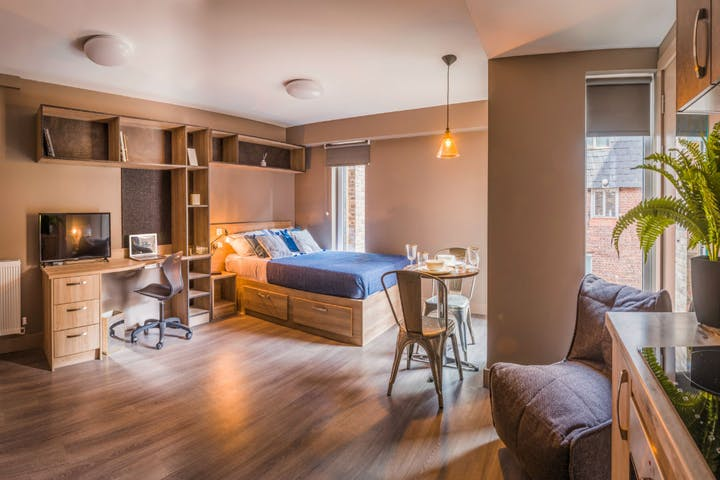 Ultra-Studio-1-1-West-gate-Exeter