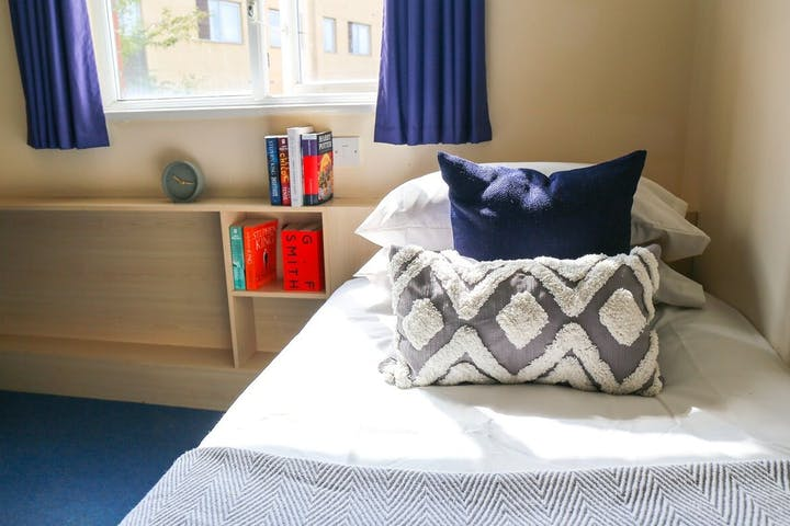 UQH-Bed-1400x788