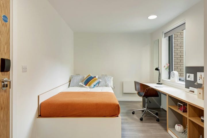 en-suite-room-2