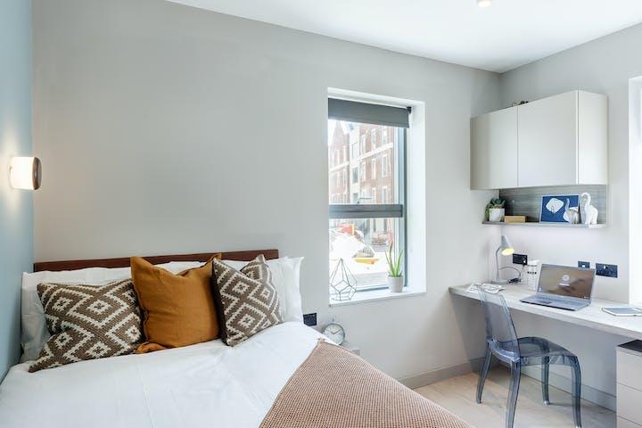 student-accommodation-london-egham-the-garage-classic-studio-1(12)