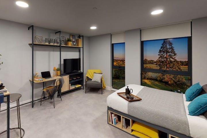 student-accommodation-guildford-guilden-park-standard-studio-3-768x576
