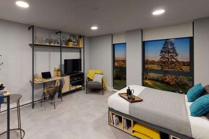 student-accommodation-guildford-guilden-park-standard-studio-3-1-768x576