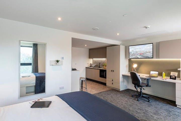 Diamond-studio-River-Street-Tower-4-1170x600