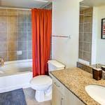 The Venue on Guadalupe-Private Bathrooms