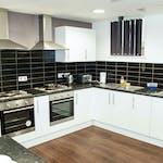 City-Point-Communal-Kitchen-3-scaled