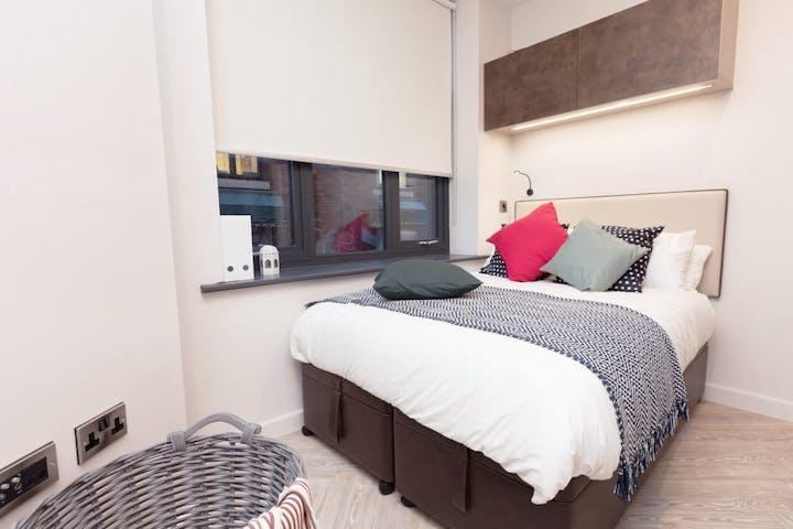 1_Bed_Apartment_Medium_Little_Lever_Bedroom_2