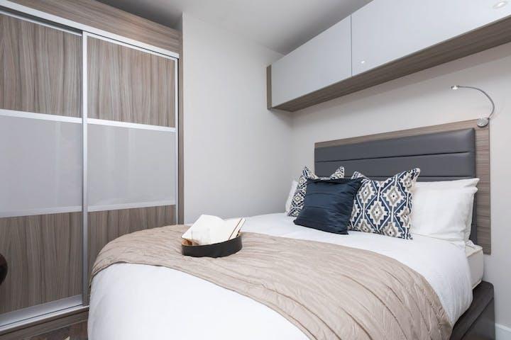 Salisbury_1_bed_compact_bedroom