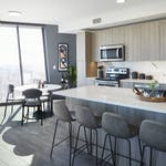 One+Hundred-+1307-+Slide-5-1BR+Kitchen+4+Bright-1500x1000