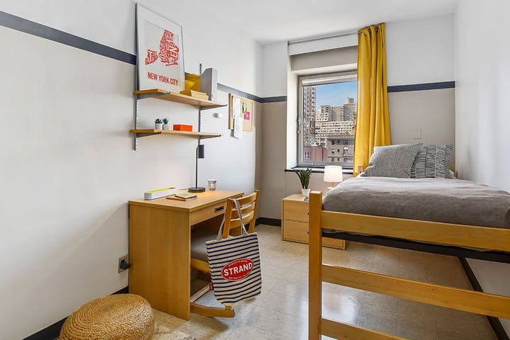 small-double-room-92Y-4
