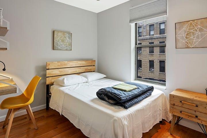 manhattan-bedroom-20.1200x1200-3-2.1200x1200