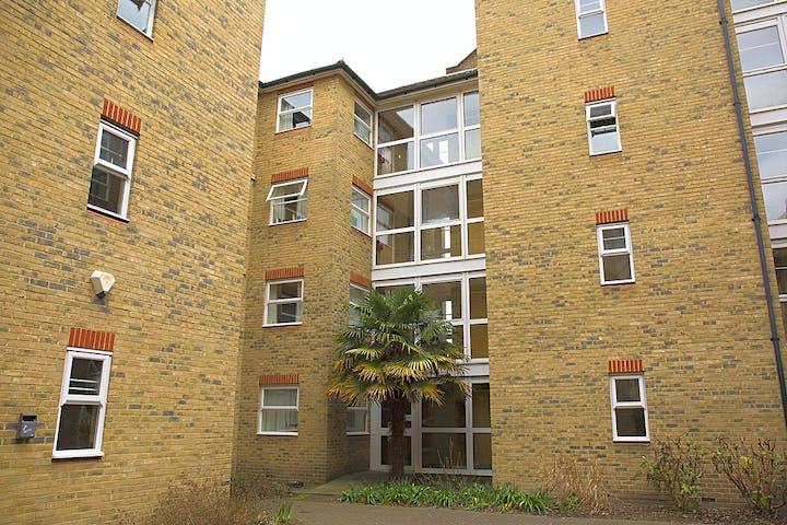 https___api.wearehomesforstudents.com_wp-content_uploads_2021_08_student-accommodation-london-dean-house-external