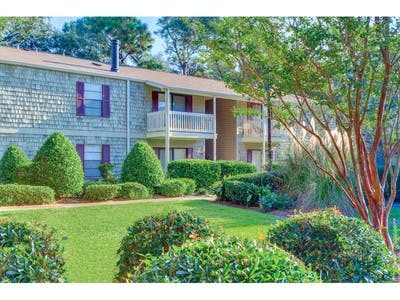 Woodcliff Apartments