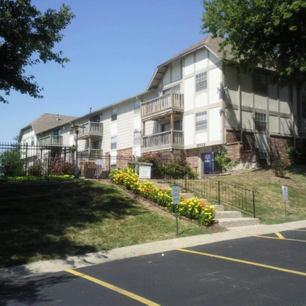 Clear View Apartments in Kansas City, United States - Amberstudent.com