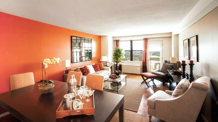 cityview-at-longwood-apartments-dining-and-living-room (1) 2
