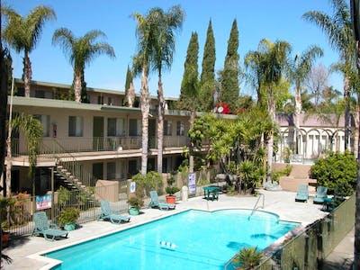 La Habra Hills Apartments