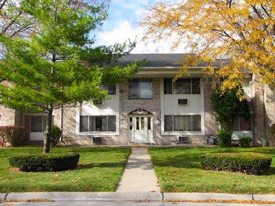 Woodhaven Square Apartments