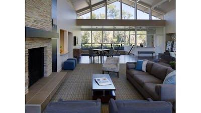 Oak Creek Apartments (Palo Alto)